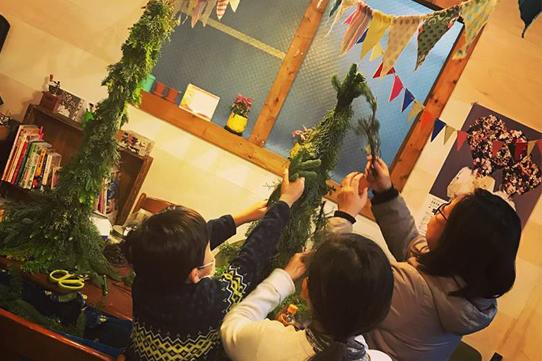 加藤花飾堂×新城テラス 親子で!クリスマスツリーづくりワークショップ